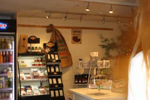Ingrid i butikken 1